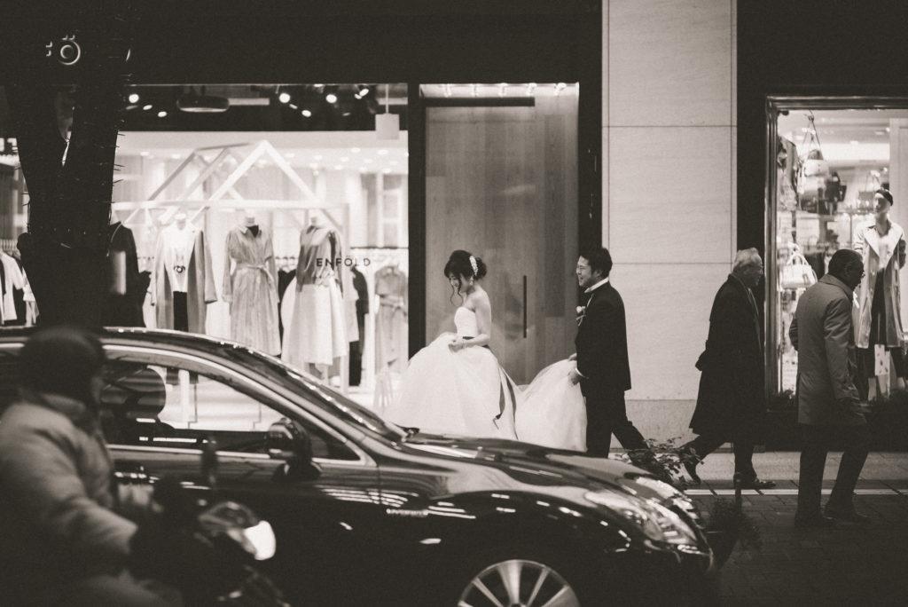 ウェディングドレス 購入 前撮り 移動