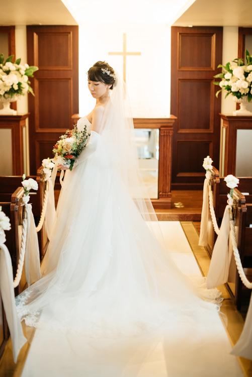 青山エリュシオンハウス 結婚式の外注持ち込みカメラマン 新婦後ろ姿