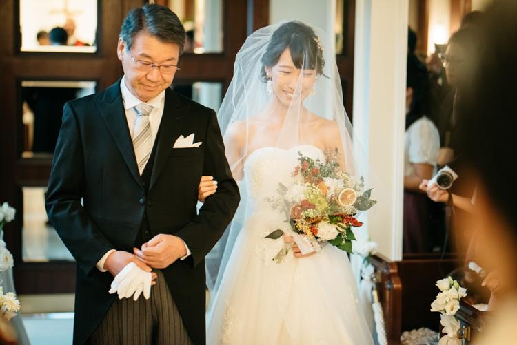 青山エリュシオンハウス 結婚式の外注持ち込みカメラマン 挙式入場
