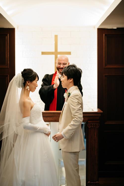 青山エリュシオンハウス 結婚式の外注持ち込みカメラマン キスの後