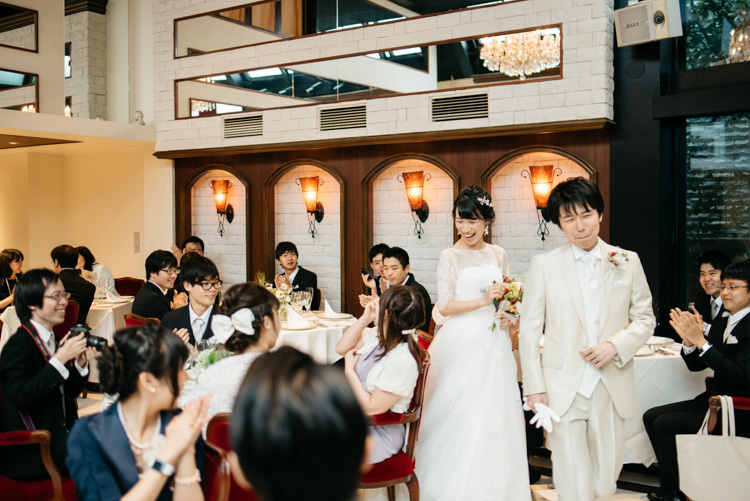 青山エリュシオンハウス 結婚式の外注持ち込みカメラマン 入場
