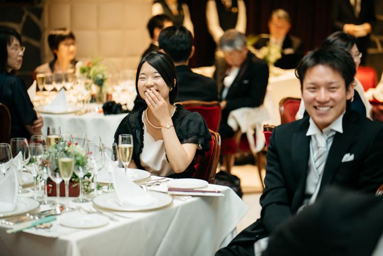 青山エリュシオンハウス 結婚式の外注持ち込みカメラマン ゲストの笑顔2