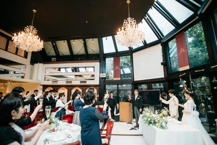 青山エリュシオンハウス 結婚式の外注持ち込みカメラマン 乾杯