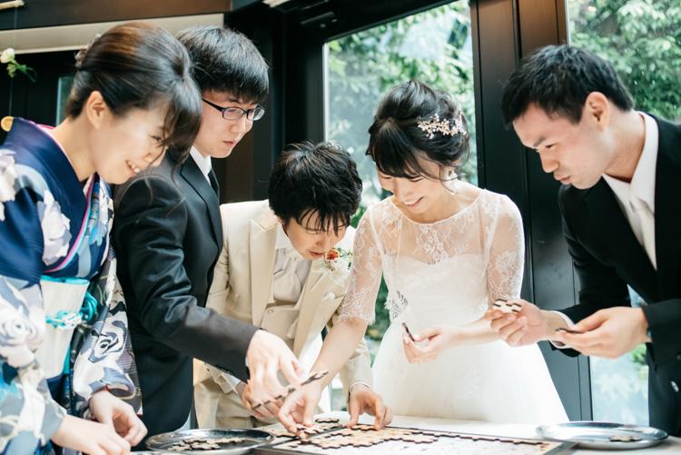 青山エリュシオンハウス 結婚式の外注持ち込みカメラマン パズル遊び