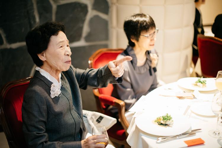 青山エリュシオンハウス 結婚式の外注持ち込みカメラマン 驚くおばあちゃん