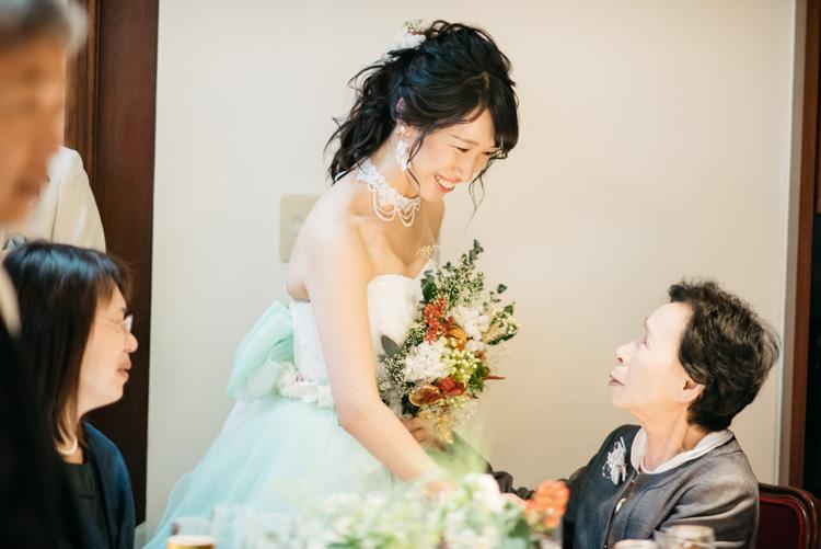 青山エリュシオンハウス 結婚式の外注持ち込みカメラマン おばあちゃんと新婦